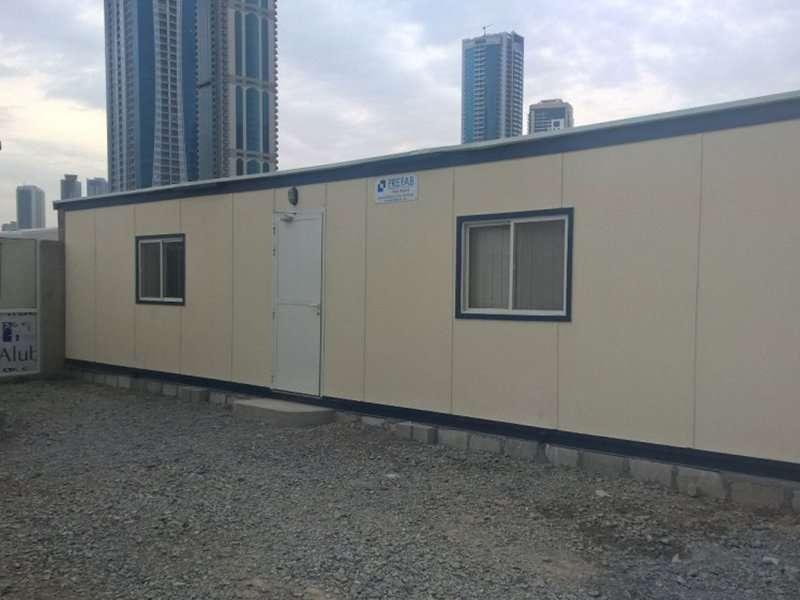 contractors' cabins